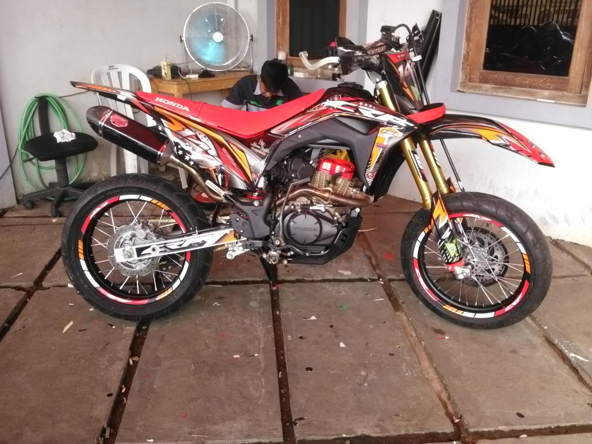 Decal crf 150 timbul decal motor fullbody dtracker decal klx