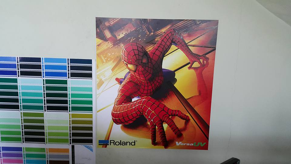 sticker dinding spiderman